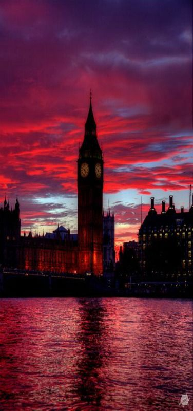 Big Ben, Red Sunset, Palace of Westminister in London by Bill Green