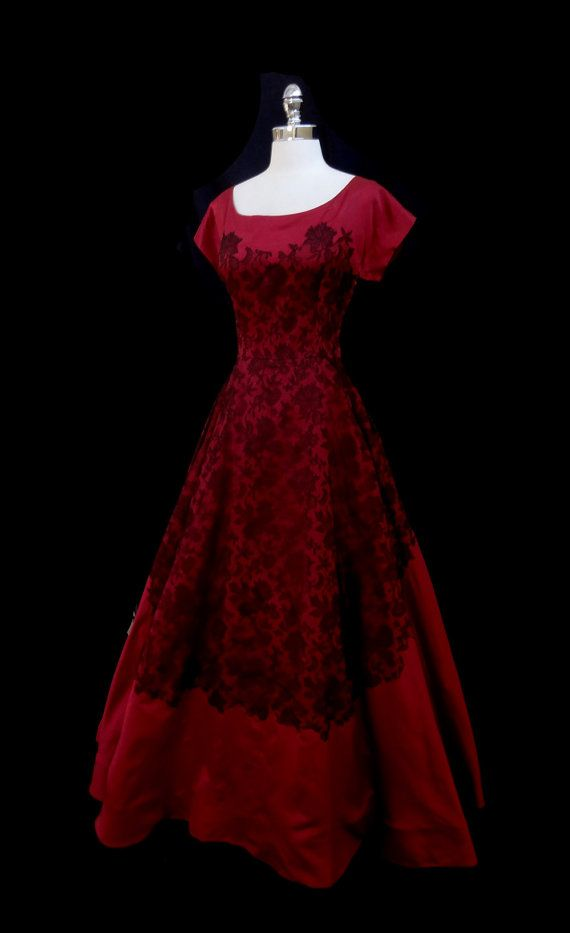 etsy.com Vintage 1940s Cranberry Red Silk Chantilly Lace Party Dress M