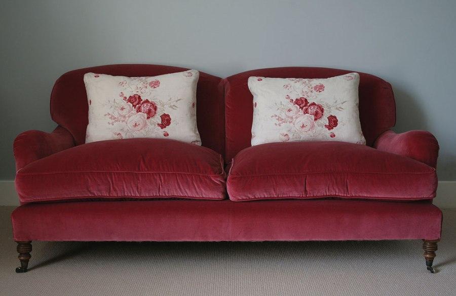 Red-Velvet-Sofa-03