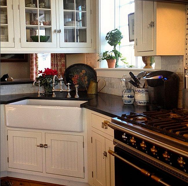 Karen Keysar corner sink in kitchen